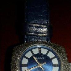 Relojes de pulsera: RELOJ CASWATCH CON ESFERA BLANCA Y AZUL. Lote 48164400