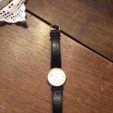 Relojes de pulsera: ANTIGUO RELOJ PARA SEÑORA COLOR ORO CON NOMBRE DE ROSA . Lote 50562301
