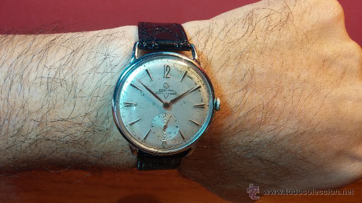 Relojes de pulsera: Raro reloj Certina Kurth Freres, calibre 330, de 15 rubíes y con UN muy curioso logo terminado en V - Foto 18 - 53754493