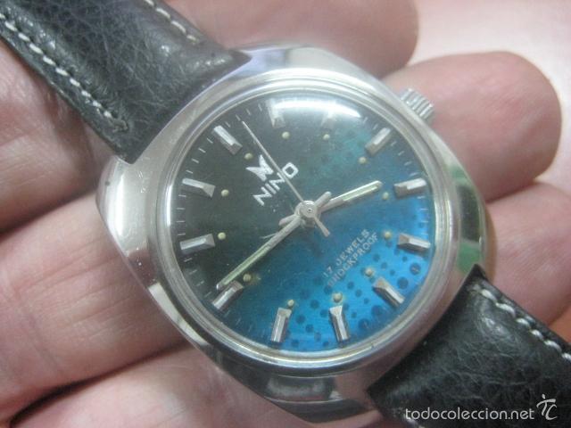 Relojes de pulsera: PRECIOSO RELOJ DE PULSERA MARCA NINO, CORREA DE CUERO, 17 JOYAS, ESFERA BI-COLOR, AÑOS 50, FUNCIONA - Foto 2 - 60091207