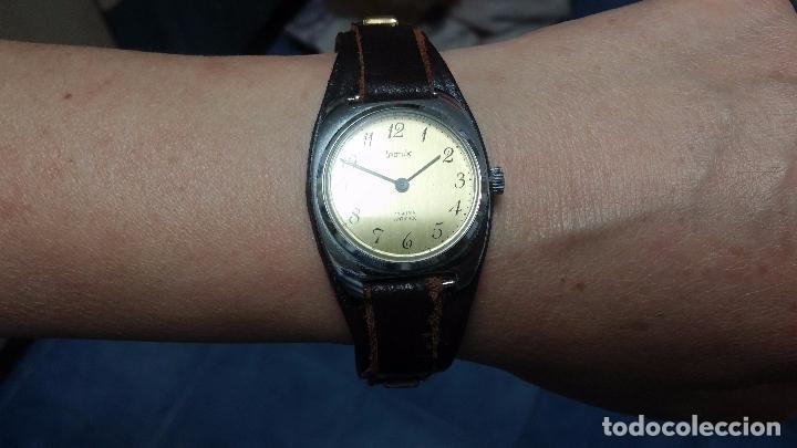 Relojes de pulsera: Botito reloj de cuerda Leonix, muy antiguo, funcionando - Foto 13 - 70253161