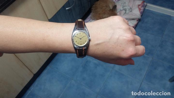 Relojes de pulsera: Botito reloj de cuerda Leonix, muy antiguo, funcionando - Foto 15 - 70253161