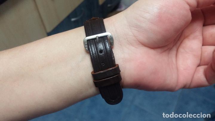 Relojes de pulsera: Botito reloj de cuerda Leonix, muy antiguo, funcionando - Foto 16 - 70253161
