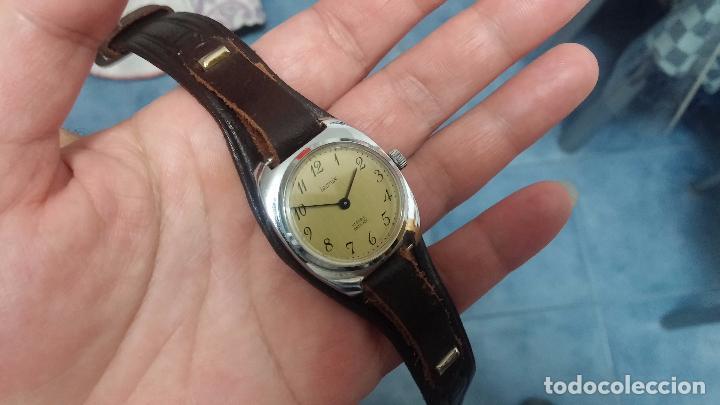 Relojes de pulsera: Botito reloj de cuerda Leonix, muy antiguo, funcionando - Foto 17 - 70253161