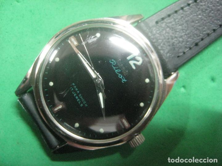 Relojes de pulsera: PRECIOSO RELOJ DE PULSERA MARCA HMT PILOT CON ESFERA NEGRA, FUNCIONA, 17 JOYAS,DATA DE LOS AÑOS 50 - Foto 3 - 71993107