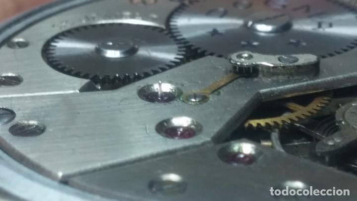 Relojes de pulsera: Botito, enorme y antiquisimo reloj DOGMA de caballero, anda un poquito si se mueve y se para.... - Foto 4 - 73609547