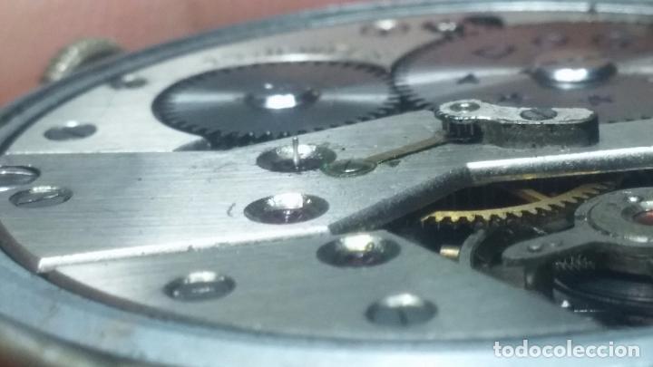Relojes de pulsera: Botito, enorme y antiquisimo reloj DOGMA de caballero, anda un poquito si se mueve y se para.... - Foto 5 - 73609547