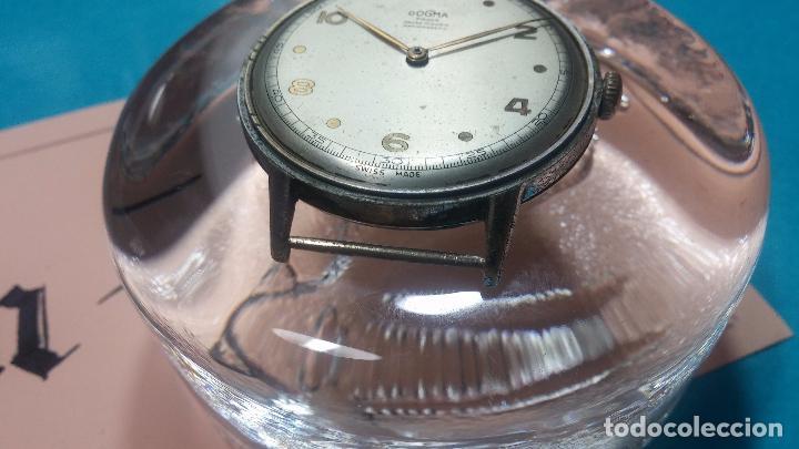 Relojes de pulsera: Botito, enorme y antiquisimo reloj DOGMA de caballero, anda un poquito si se mueve y se para.... - Foto 10 - 73609547
