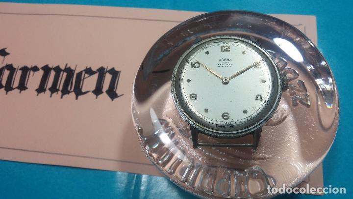 Relojes de pulsera: Botito, enorme y antiquisimo reloj DOGMA de caballero, anda un poquito si se mueve y se para.... - Foto 15 - 73609547