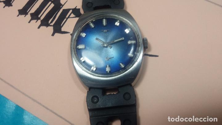 Relojes de pulsera: DOS BOTITOS RELOJ O RELOJES, 2 FANTÁSTICOS CLÁSICOS DE CUERDA DE LOS 70, uno adelanta y otro atrasa - Foto 7 - 75942227