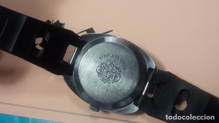 Relojes de pulsera: DOS BOTITOS RELOJ O RELOJES, 2 FANTÁSTICOS CLÁSICOS DE CUERDA DE LOS 70, uno adelanta y otro atrasa - Foto 11 - 75942227