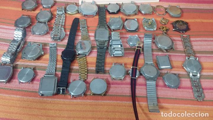 Relojes de pulsera: BOTITO LOTE DE 35 RELOJES VARIADOS, PARA REPARAR O PARA PIEZAS, ALGUNO FUNCIONA - Foto 3 - 83580136