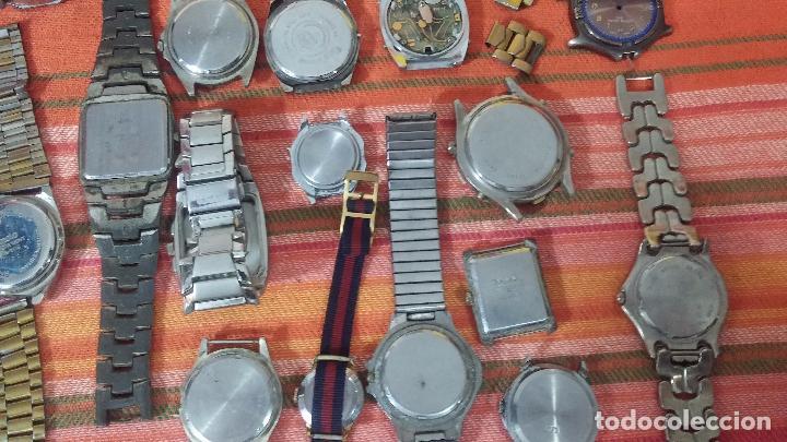 Relojes de pulsera: BOTITO LOTE DE 35 RELOJES VARIADOS, PARA REPARAR O PARA PIEZAS, ALGUNO FUNCIONA - Foto 4 - 83580136
