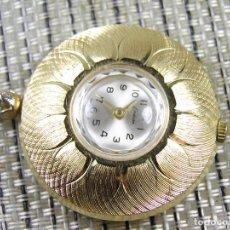 Relógios de pulso: EXQUISITO Y PRECIOSO MEDALLON RELOJ ALUMINIO SUIZO AÑOS 60 UNA GRAN JOYA SIN USO. Lote 102473795