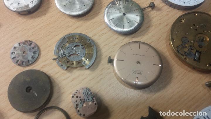 Relojes de pulsera: Gran colección de maquinas de reloj o relojes antiguos muy botitos, para reparar o para piezas... - Foto 18 - 103250643