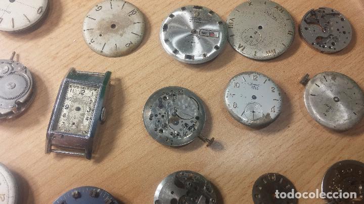 Relojes de pulsera: Gran colección de maquinas de reloj o relojes antiguos muy botitos, para reparar o para piezas... - Foto 41 - 103250643