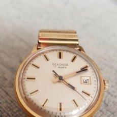 Relojes de pulsera: RELOJ SEKONDA 17JEWES CALENDARIO DE CUERDA CHAPADO 10MICRAS ORO DE CUERDA DIAMETRO 35MILIMT. Lote 110338315