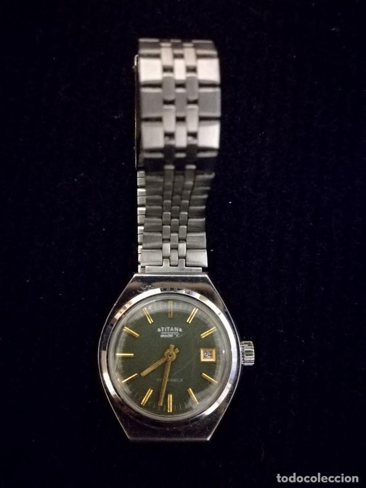 Relojes de pulsera: Reloj de pulsera marca Titan manual a cuerda 17 jewels con calendario perpetuo. Funcionando - Foto 3 - 112827687