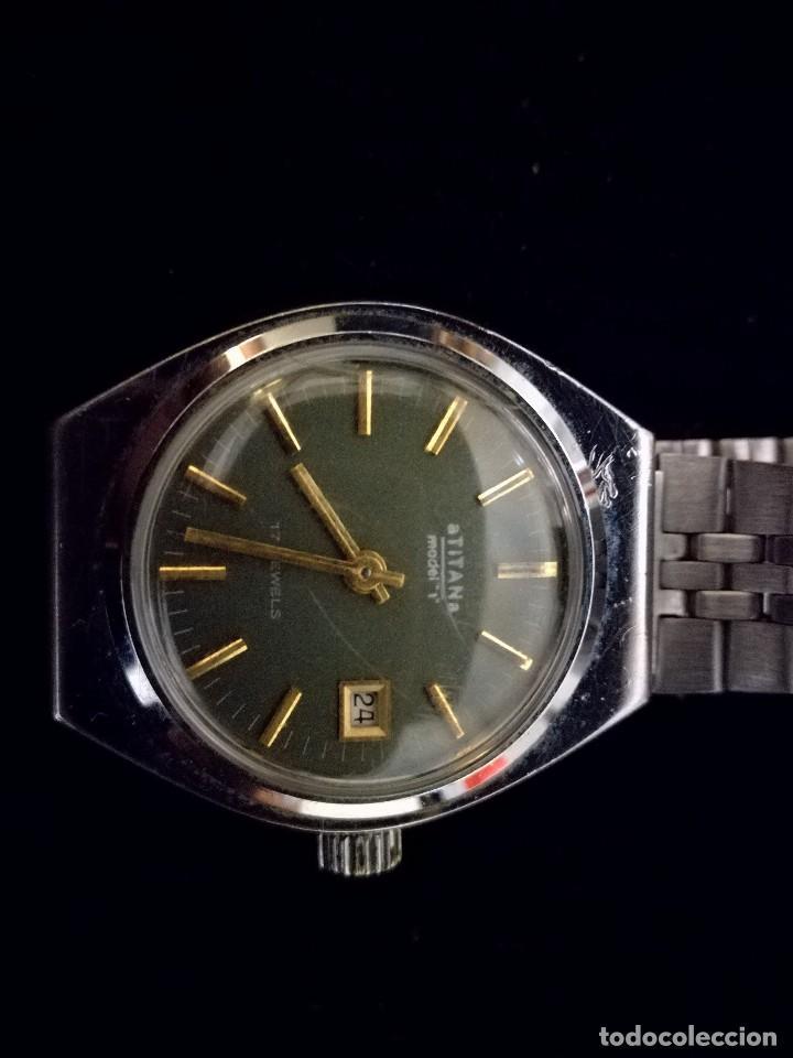 Relojes de pulsera: Reloj de pulsera marca Titan manual a cuerda 17 jewels con calendario perpetuo. Funcionando - Foto 4 - 112827687