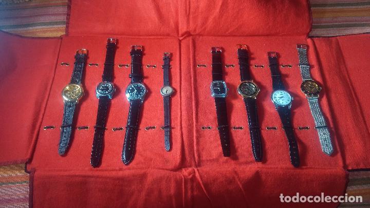 Relojes de pulsera: Botita cartera con reloj de cuerda Olma,los otros 7 relojes de cuerda que contiene se regalan - Foto 7 - 113733395
