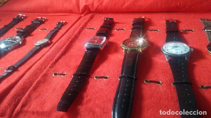 Relojes de pulsera: Botita cartera con reloj de cuerda Olma,los otros 7 relojes de cuerda que contiene se regalan - Foto 12 - 113733395