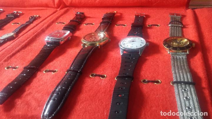 Relojes de pulsera: Botita cartera con reloj de cuerda Olma,los otros 7 relojes de cuerda que contiene se regalan - Foto 13 - 113733395
