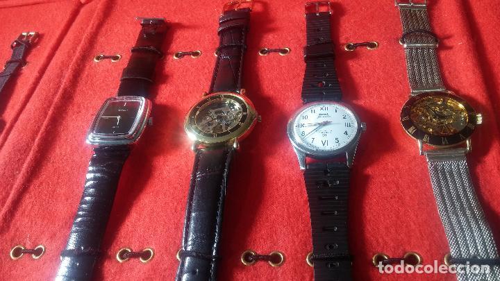 Relojes de pulsera: Botita cartera con reloj de cuerda Olma,los otros 7 relojes de cuerda que contiene se regalan - Foto 14 - 113733395