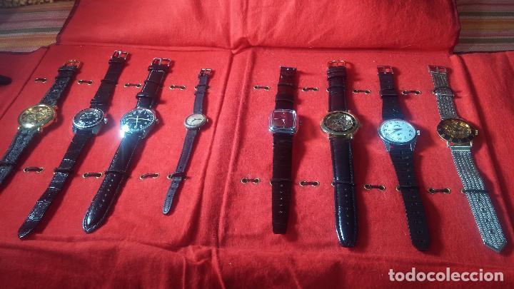 Relojes de pulsera: Botita cartera con reloj de cuerda Olma,los otros 7 relojes de cuerda que contiene se regalan - Foto 17 - 113733395