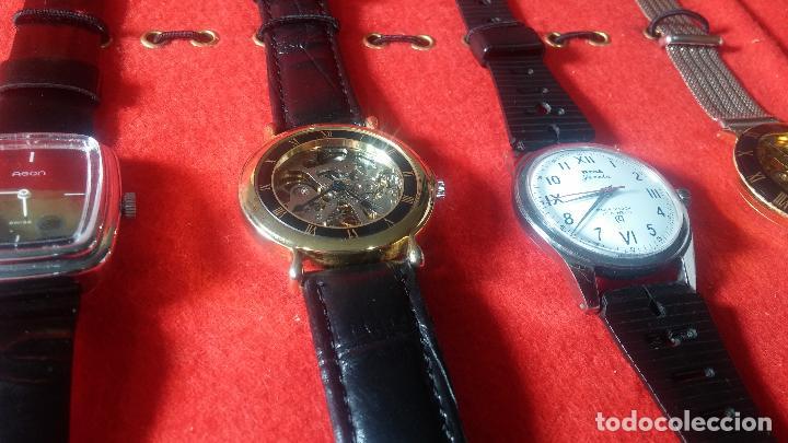 Relojes de pulsera: Botita cartera con reloj de cuerda Olma,los otros 7 relojes de cuerda que contiene se regalan - Foto 20 - 113733395