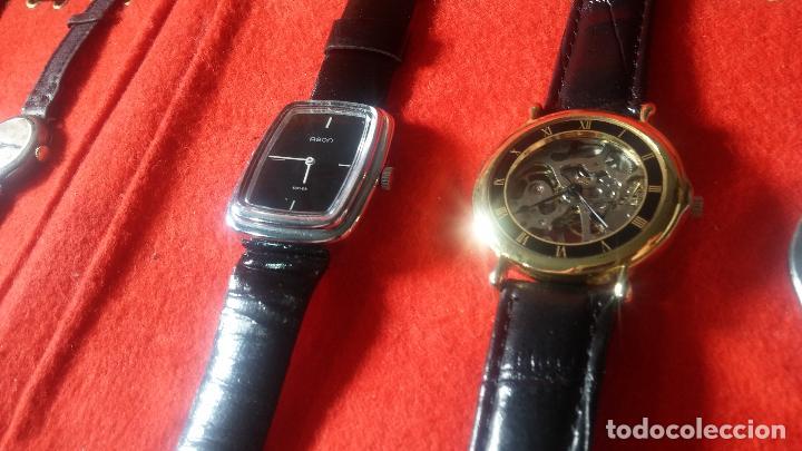 Relojes de pulsera: Botita cartera con reloj de cuerda Olma,los otros 7 relojes de cuerda que contiene se regalan - Foto 27 - 113733395