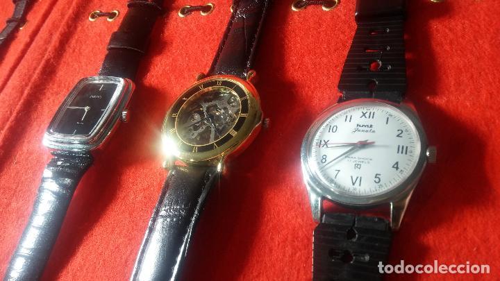 Relojes de pulsera: Botita cartera con reloj de cuerda Olma,los otros 7 relojes de cuerda que contiene se regalan - Foto 28 - 113733395