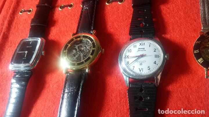 Relojes de pulsera: Botita cartera con reloj de cuerda Olma,los otros 7 relojes de cuerda que contiene se regalan - Foto 30 - 113733395