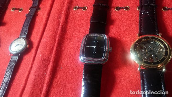 Relojes de pulsera: Botita cartera con reloj de cuerda Olma,los otros 7 relojes de cuerda que contiene se regalan - Foto 32 - 113733395