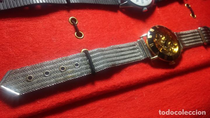 Relojes de pulsera: Botita cartera con reloj de cuerda Olma,los otros 7 relojes de cuerda que contiene se regalan - Foto 35 - 113733395