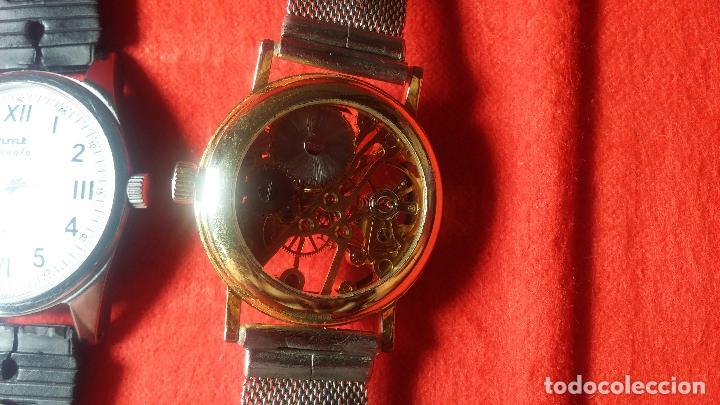 Relojes de pulsera: Botita cartera con reloj de cuerda Olma,los otros 7 relojes de cuerda que contiene se regalan - Foto 39 - 113733395