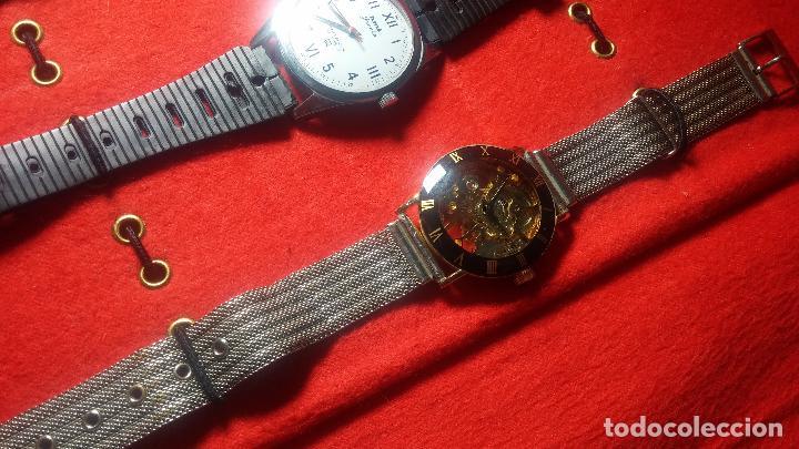 Relojes de pulsera: Botita cartera con reloj de cuerda Olma,los otros 7 relojes de cuerda que contiene se regalan - Foto 44 - 113733395