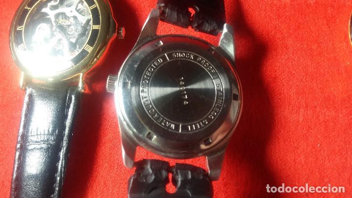 Relojes de pulsera: Botita cartera con reloj de cuerda Olma,los otros 7 relojes de cuerda que contiene se regalan - Foto 45 - 113733395