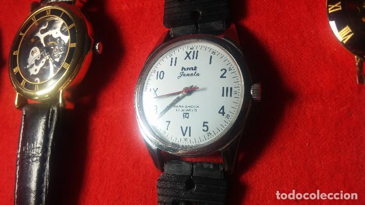 Relojes de pulsera: Botita cartera con reloj de cuerda Olma,los otros 7 relojes de cuerda que contiene se regalan - Foto 48 - 113733395