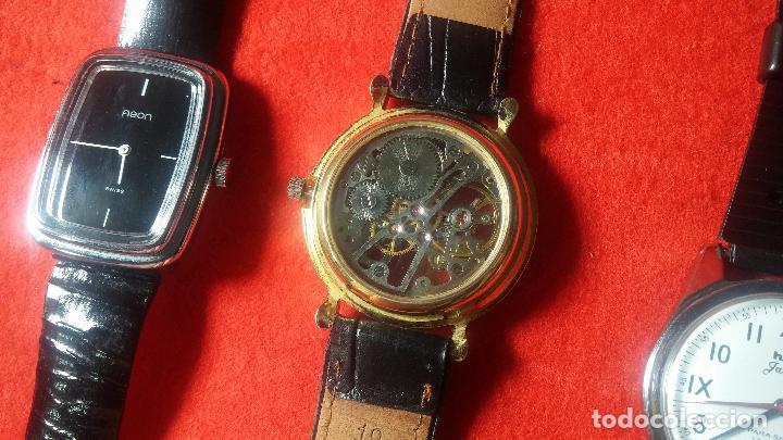 Relojes de pulsera: Botita cartera con reloj de cuerda Olma,los otros 7 relojes de cuerda que contiene se regalan - Foto 55 - 113733395