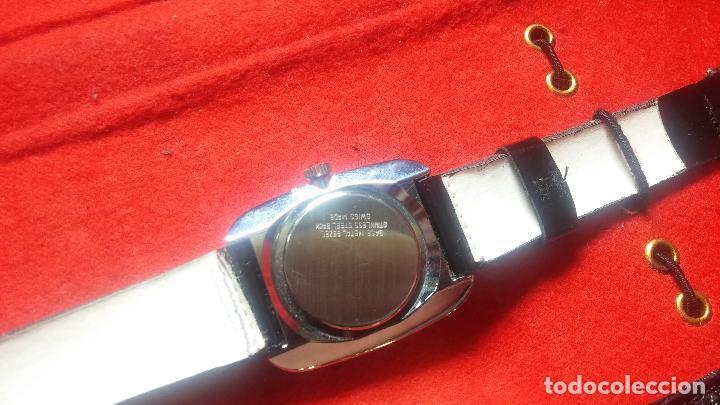 Relojes de pulsera: Botita cartera con reloj de cuerda Olma,los otros 7 relojes de cuerda que contiene se regalan - Foto 58 - 113733395