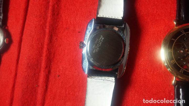 Relojes de pulsera: Botita cartera con reloj de cuerda Olma,los otros 7 relojes de cuerda que contiene se regalan - Foto 59 - 113733395