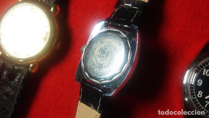 Relojes de pulsera: Botita cartera con reloj de cuerda Olma,los otros 7 relojes de cuerda que contiene se regalan - Foto 72 - 113733395