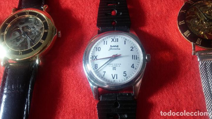 Relojes de pulsera: Botita cartera con reloj de cuerda Olma,los otros 7 relojes de cuerda que contiene se regalan - Foto 79 - 113733395
