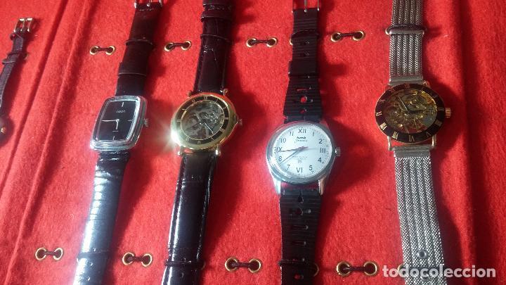 Relojes de pulsera: Botita cartera con reloj de cuerda Olma,los otros 7 relojes de cuerda que contiene se regalan - Foto 50 - 113733395