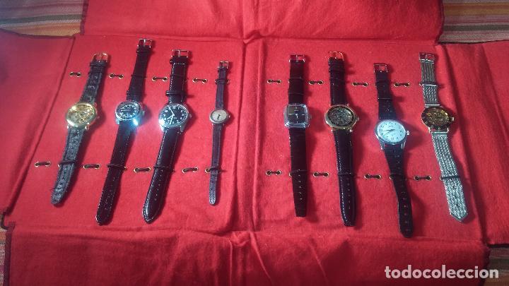 Relojes de pulsera: Botita cartera con reloj de cuerda Olma,los otros 7 relojes de cuerda que contiene se regalan - Foto 18 - 113733395