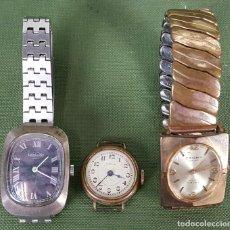 Relojes de pulsera: COLECCIÓN DE 3 RELOJES DE PULSERA. VARIAS MARCAS. CIRCA 1960.. Lote 120378163