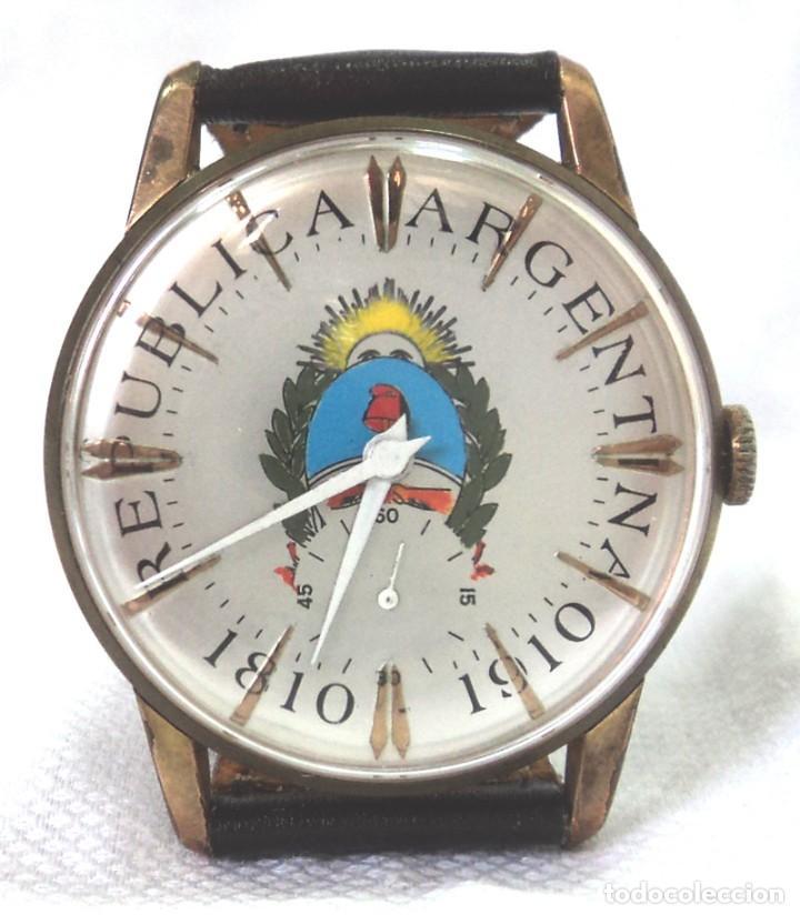 HERMOSO RELOJ ESFERA ESCUDO CONMEMORATIVO DEL CENTENARIO DE LA REPUBLICA ARGENTINA DIAMETRO 37MM (Relojes - Pulsera Carga Manual)