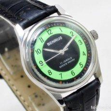 Relojes de pulsera: RELOJ BENRUS DE HOMBRE, 32 MMM SIN CONTAR CORONA, VINTAGE, TIJA ROTA, FUNCIONA.. Lote 123106383