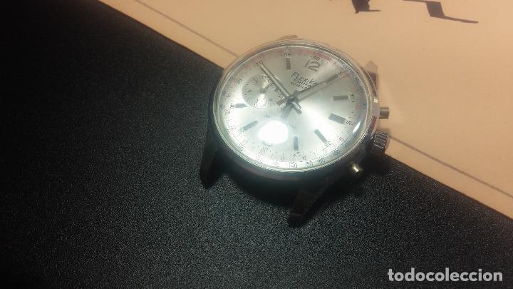 Relojes de pulsera: Botito y enorme reloj con una corona y dos pulsadores no se para qué, para reparar o para piezas - Foto 8 - 124239035