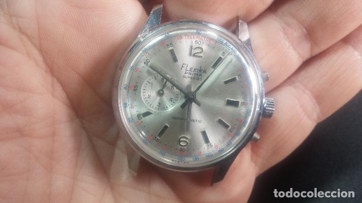 Relojes de pulsera: Botito y enorme reloj con una corona y dos pulsadores no se para qué, para reparar o para piezas - Foto 10 - 124239035